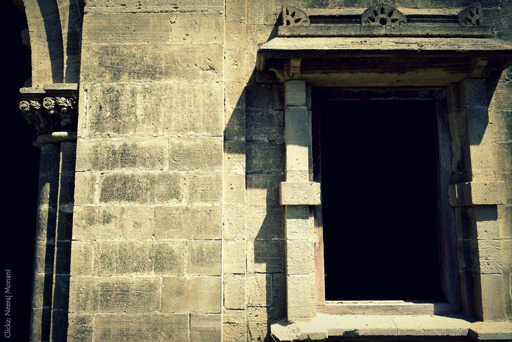 Ruins of Darbargarh - Porbandar - Gujarat by neerajmonani