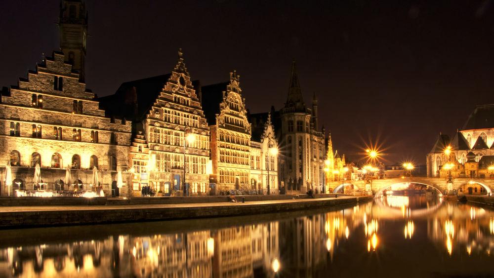 Graslei, Gent, Belgium by edgartossijn