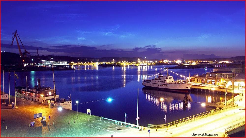 Peaceful Harbour  (Göteborg, Sweden) by EuroAmerican