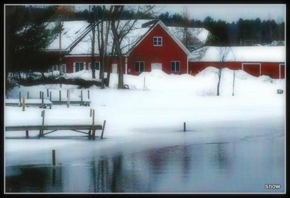1-red barn by LynnSnow