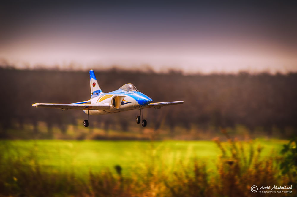 Flying model by amit matzliach