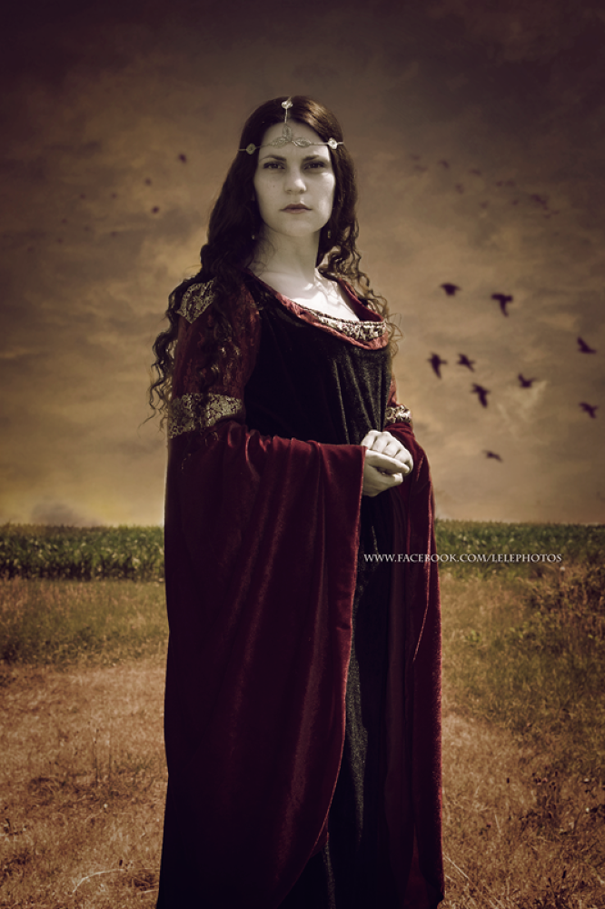 Arwen by LeLe Photography