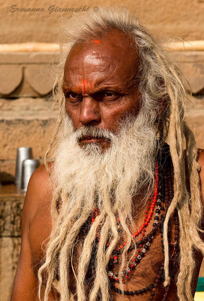 santone    Varanasi  nov. 2013 by ermannogianneschi