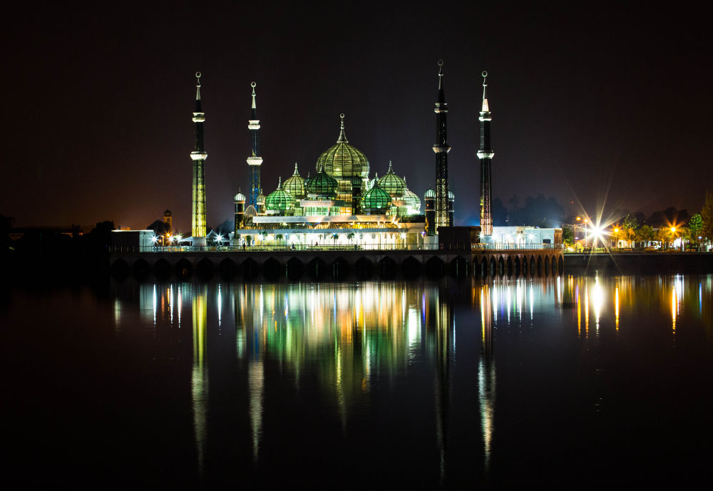 Crystal Mosque by peter tan