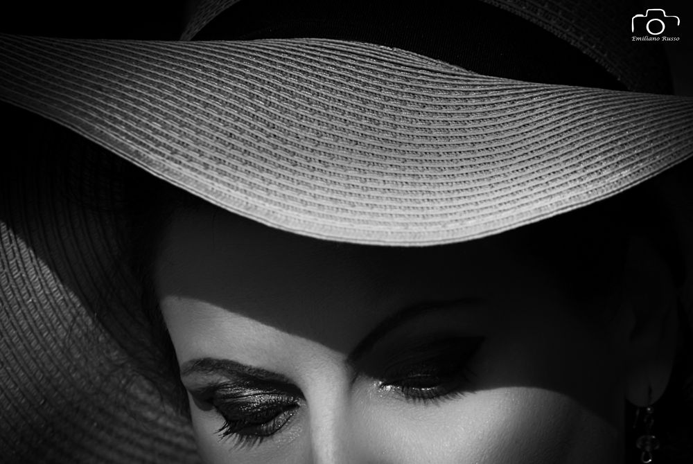 Hide eye by Emiliano Russo - professional photographer