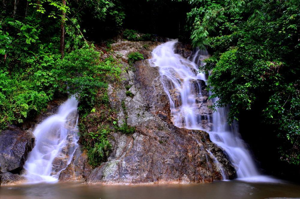 ULU YAM WATER FALL. by azharramly
