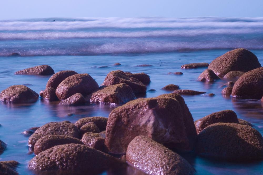 sea and stone by Aydın Tunçer Gonejko