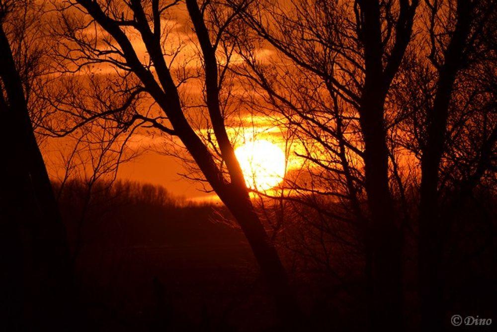 sunset in The Netherlands by dinovdkerkhof