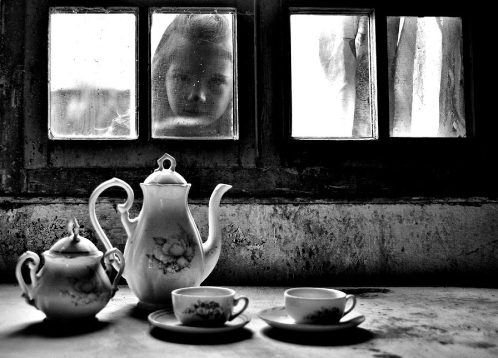 time for tea... by goran