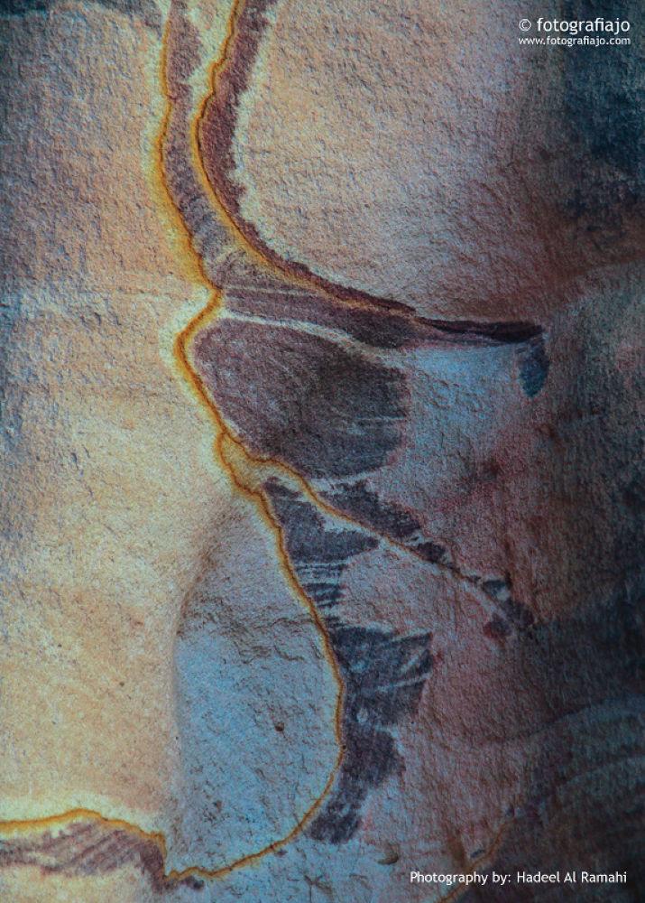 Petra rocks by Hadeel AL-Ramahi