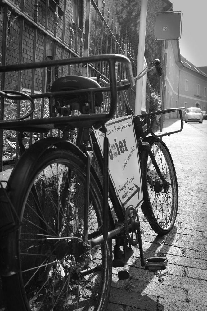 Old Bike by peterkryzun