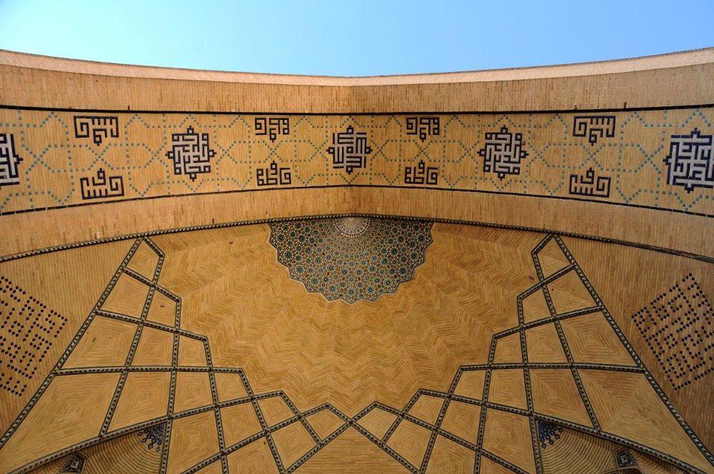 hakim mosque in Isfahan, Iran, by ahmad bazavi