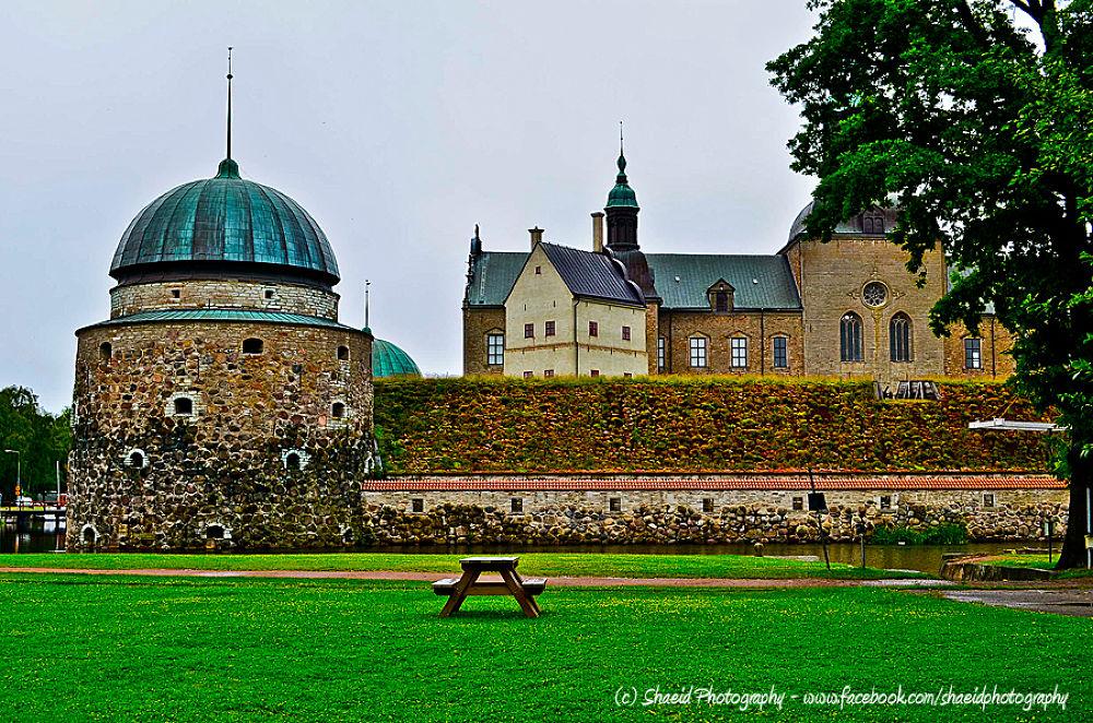 Vadstena Castle by shaeidphotography