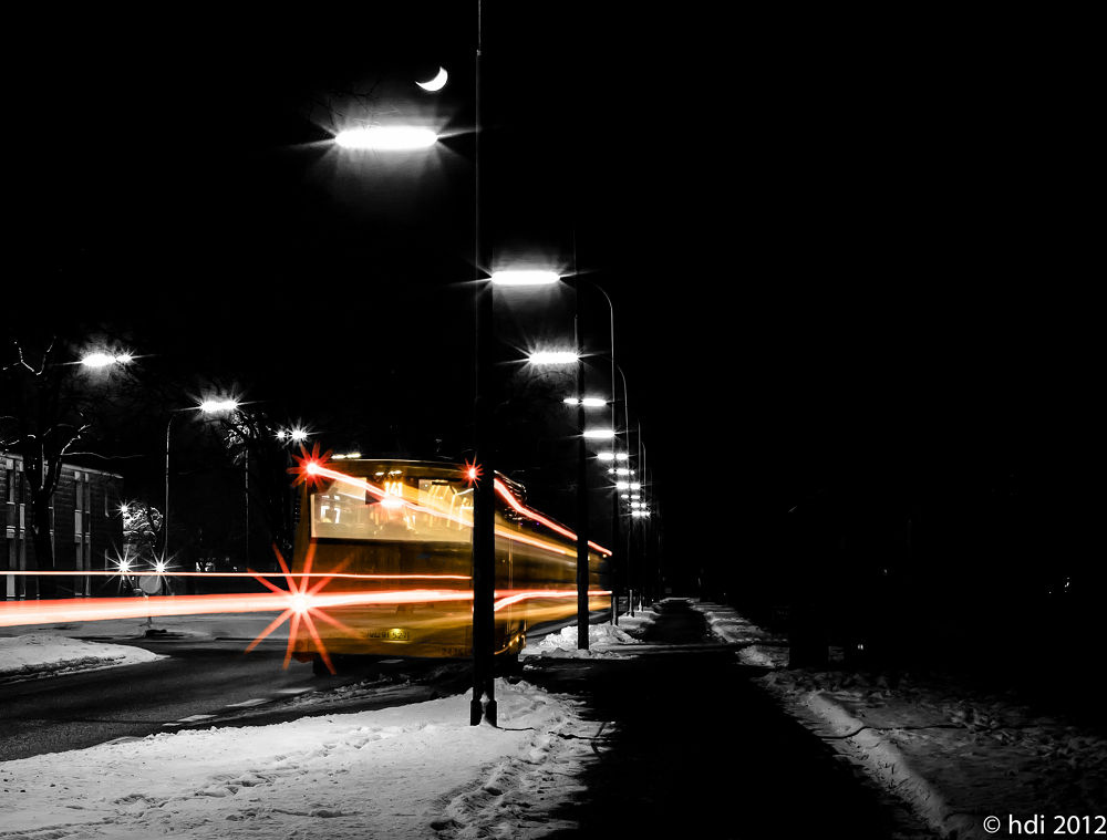 the night bus by weaksyntax