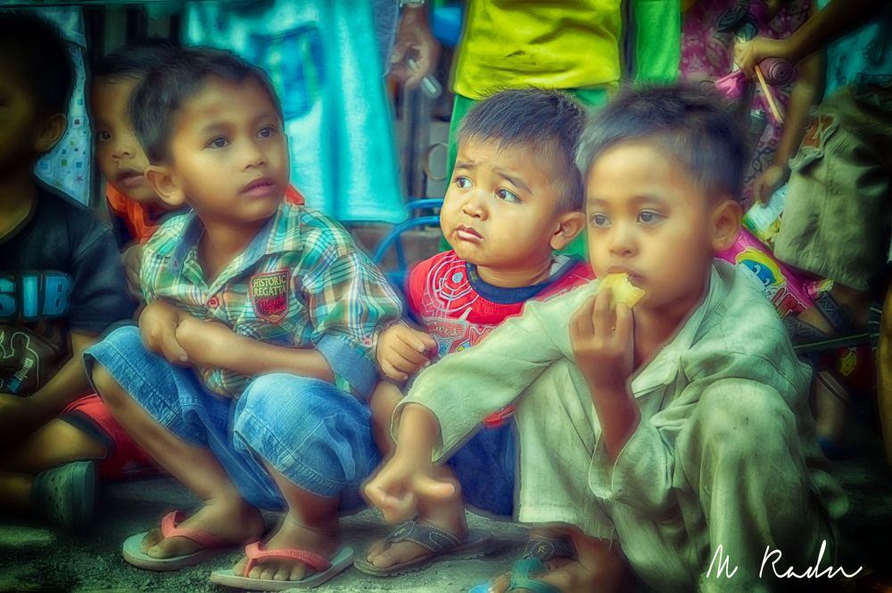 3 small children by Ramdhan Ahaz