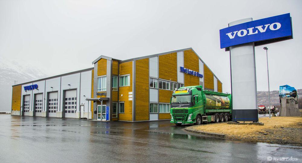 Truck by Morten Eriksen