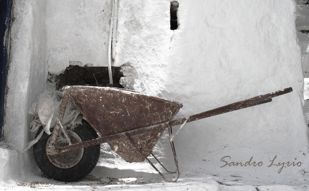 Wheelbarrow by SandroLyrio