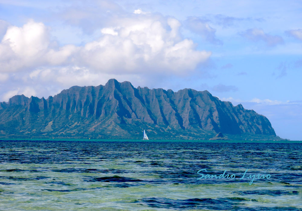 The Great Wall of Oahu by SandroLyrio
