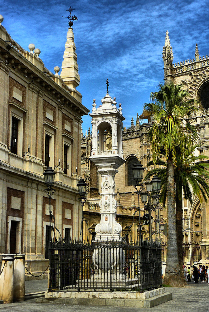Plaza del Triunfo. Sevilla by DavidRoldan