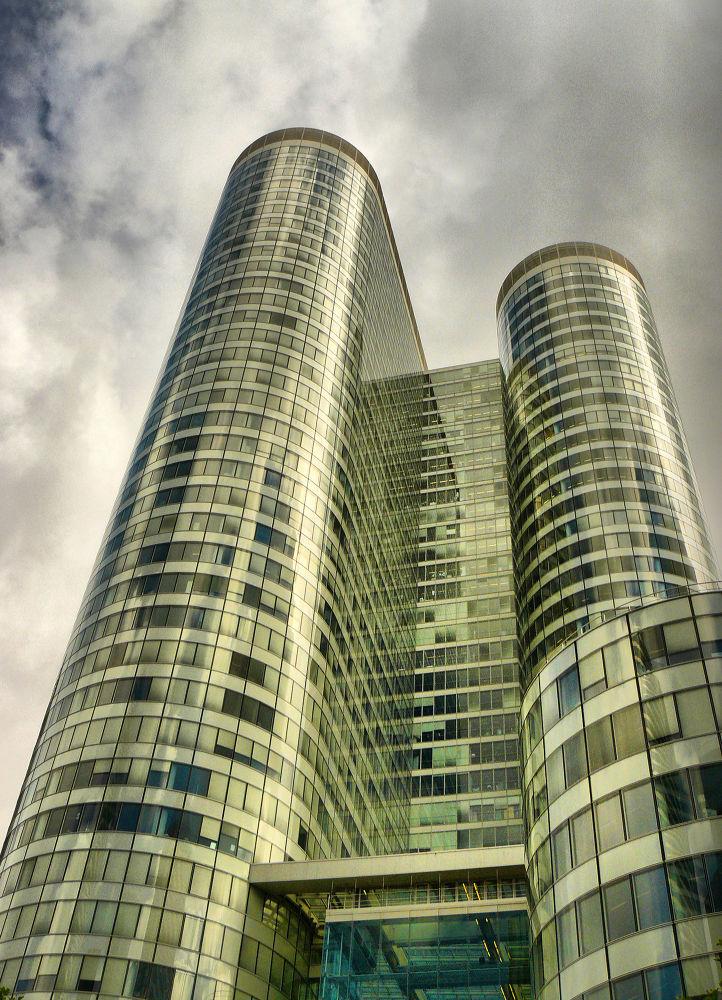 Bâtiment de La Défense. Paris by DavidRoldan