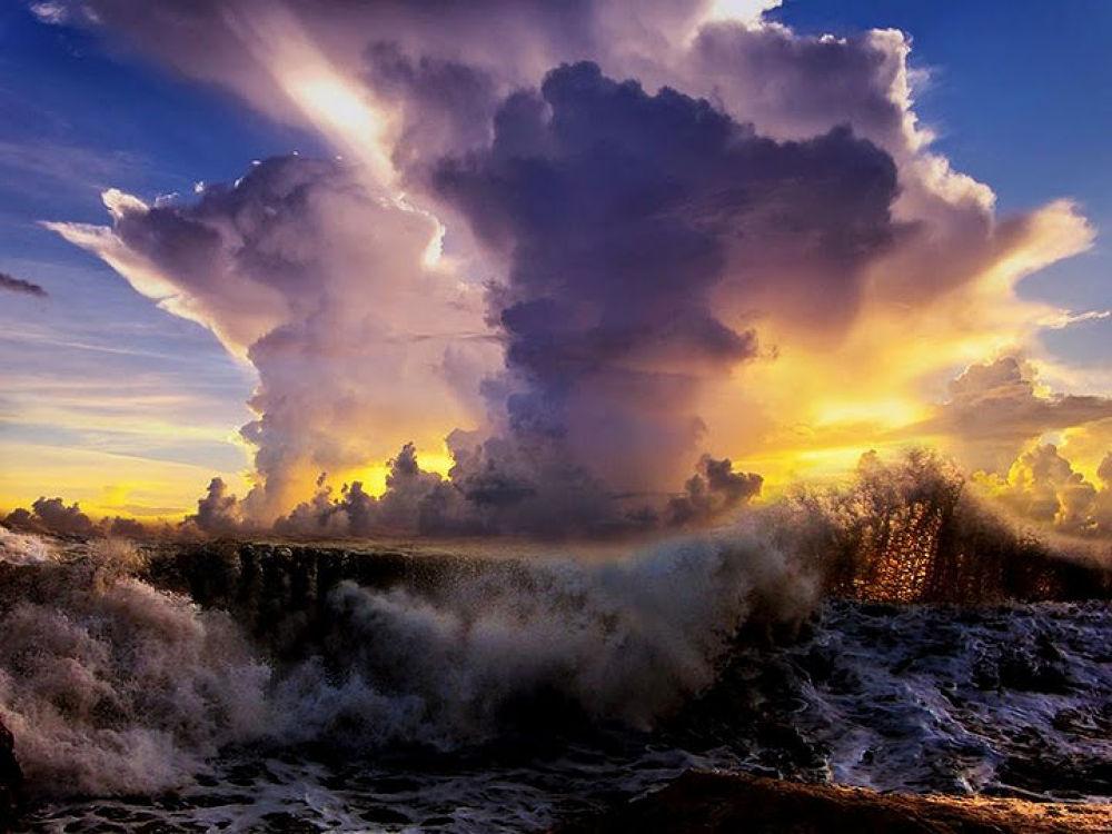 Stunning Clouds by Tatsuko Sukotjo
