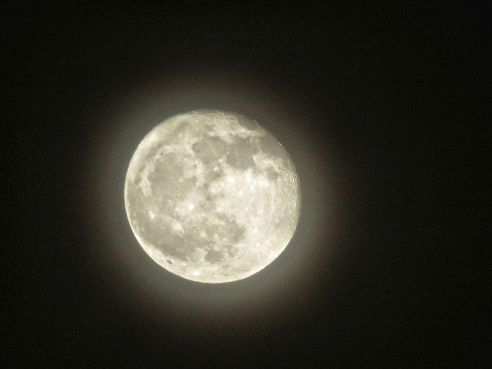 Full Moon 16-02-2014 by Richt Lycklama à Nijeholt