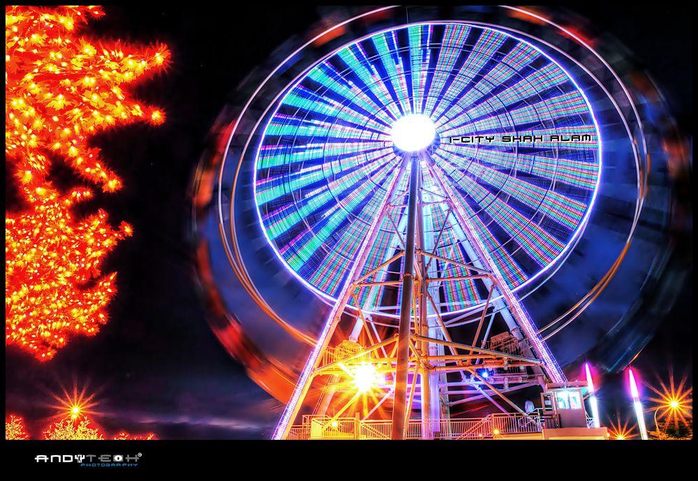 Ferris Wheel @ I-City by andyteoh73