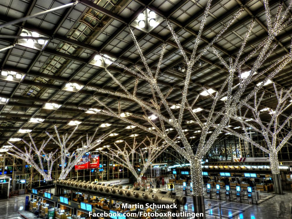 Stuttgart by Night X-Mas Airport by Martin Schunack