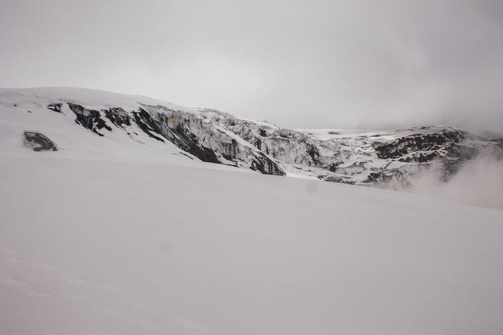 Glacial Lagunillas Andes centrales by LeoAndino