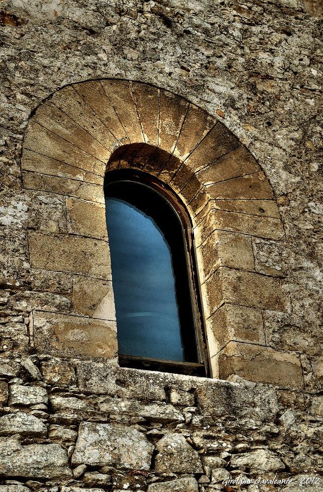 castle window by GiroPhoto - Girolamo Cavalcante