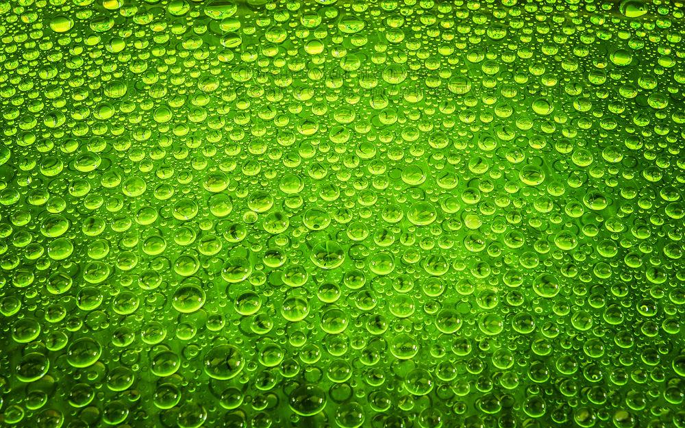 Water drop by phanuwatnandee