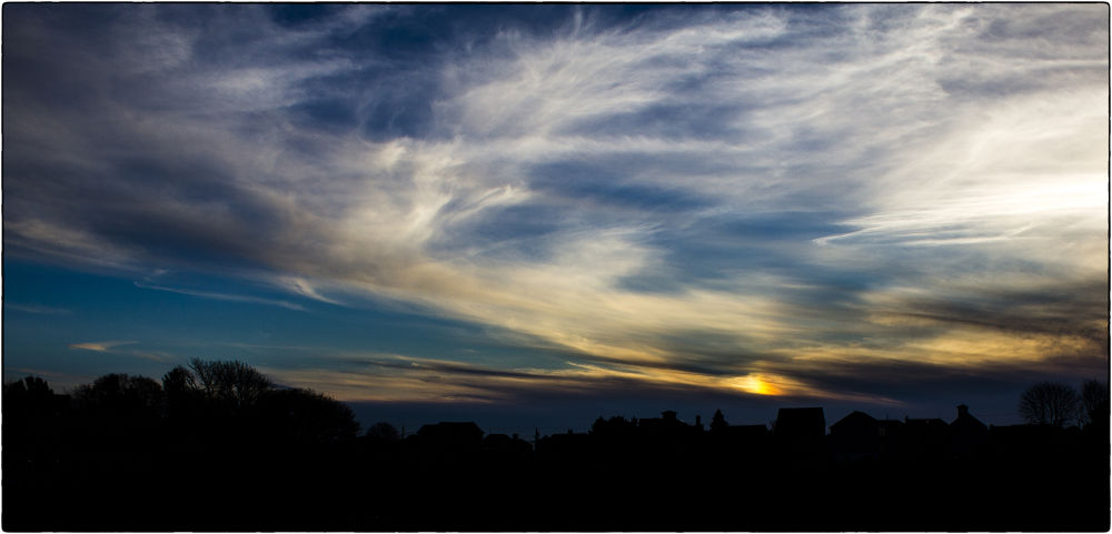Flee the horizon by ErikaLorde