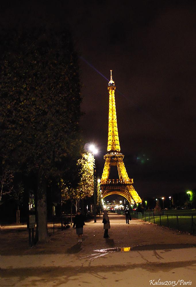 Paris by Kalau