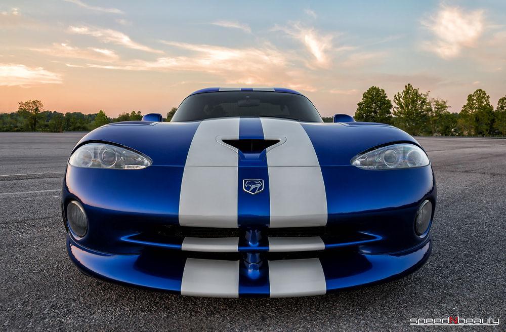 Dodge Viper GTS by speedNbeauty