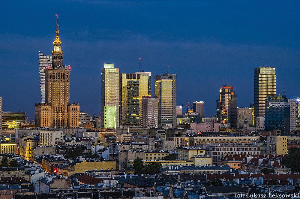 Warsaw by Łukasz Leksowski