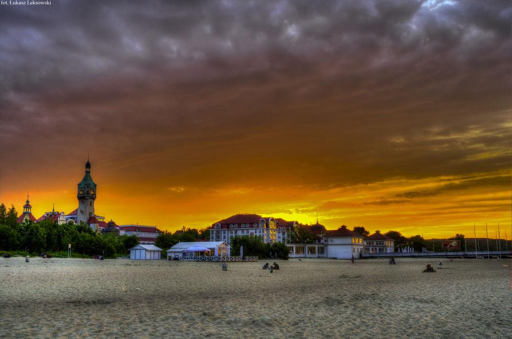 Sunset by Łukasz Leksowski