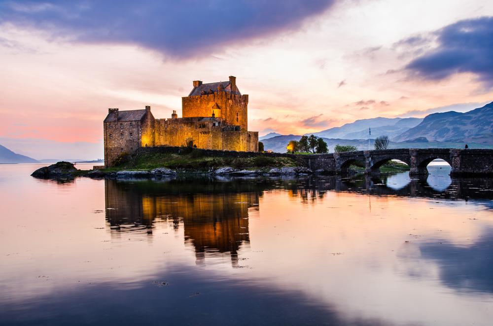 Eilean Donan Castle by Mirco Balboni