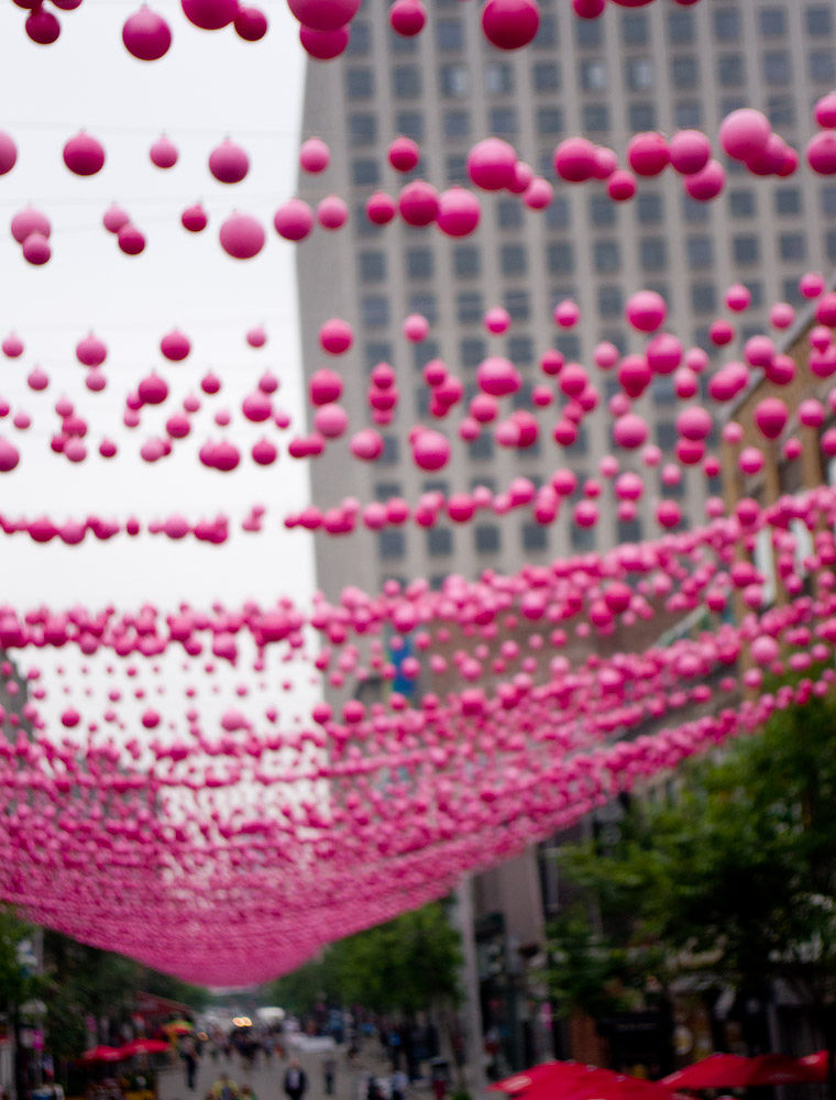 100,000 pink balls by lucky