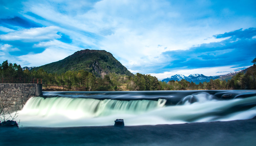 Waterfall  by kRisi