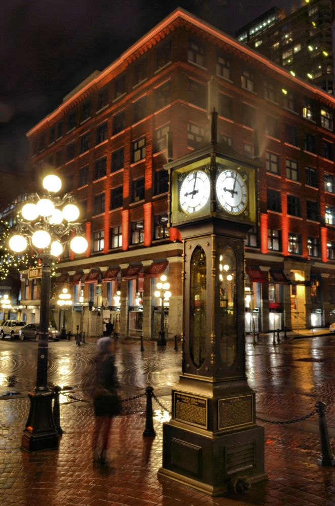Gastown Steam Clock by nikhlangroudi