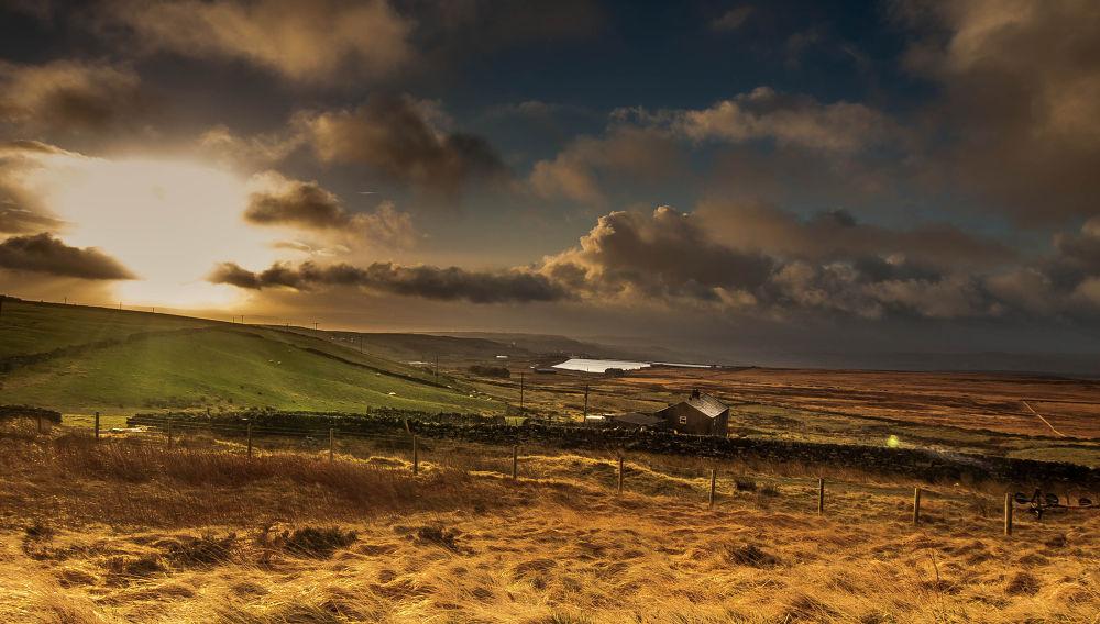 Ovenden Moor  by paulzdanowicz