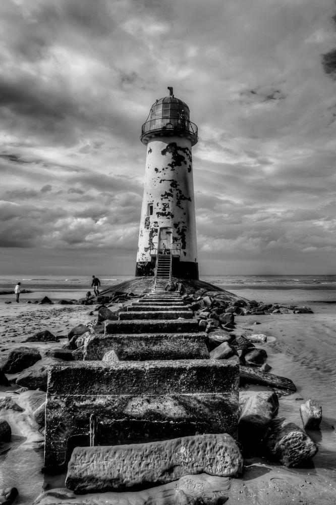 Lighthouse by libbyhall