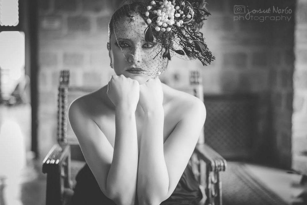 Adelfa by Josue Nargo