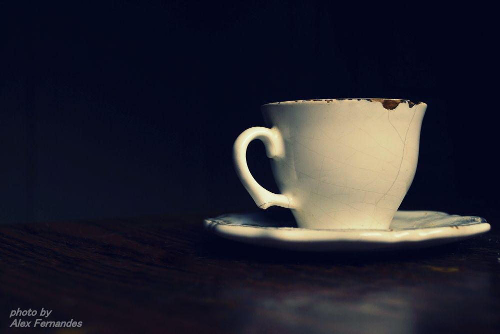 tea cup by Alex Fernandes