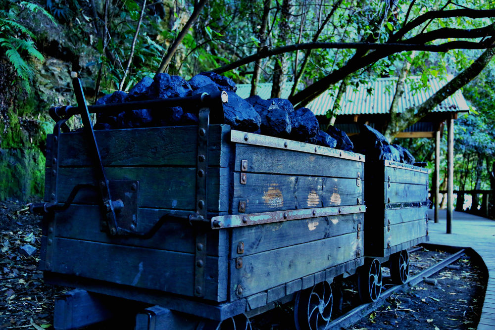 train cart by miguelwolve