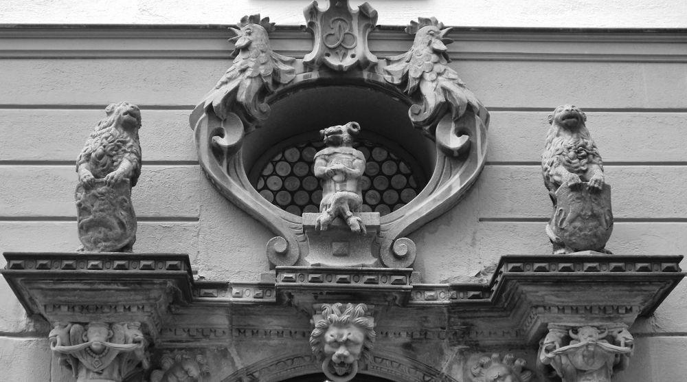 Détail d'un haut de porte by aurelierousso3