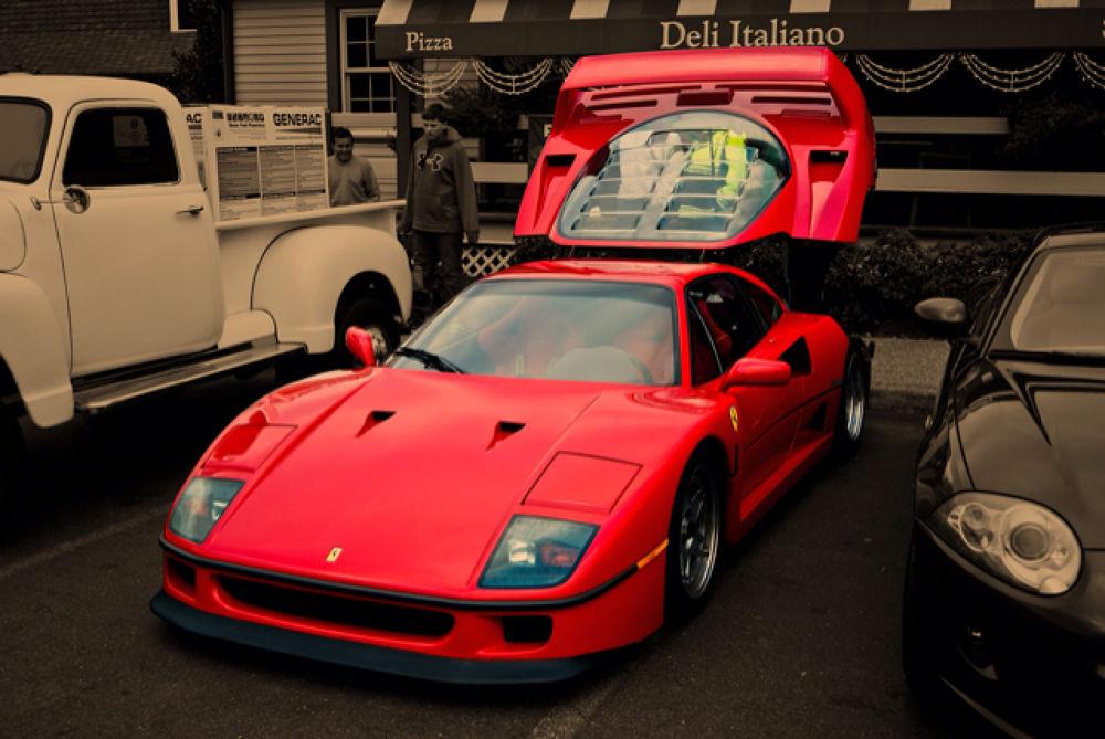 Ferrari F40 by joseph wengloski