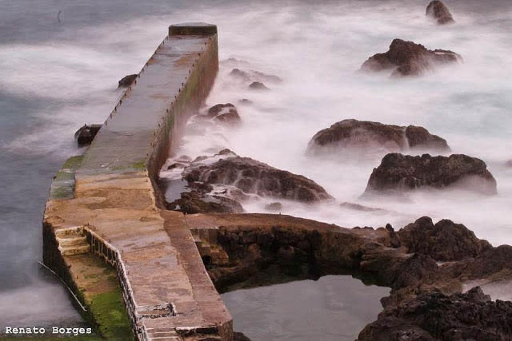 Porto das Cinco Ribeiras.  by Renato Borges   Photography