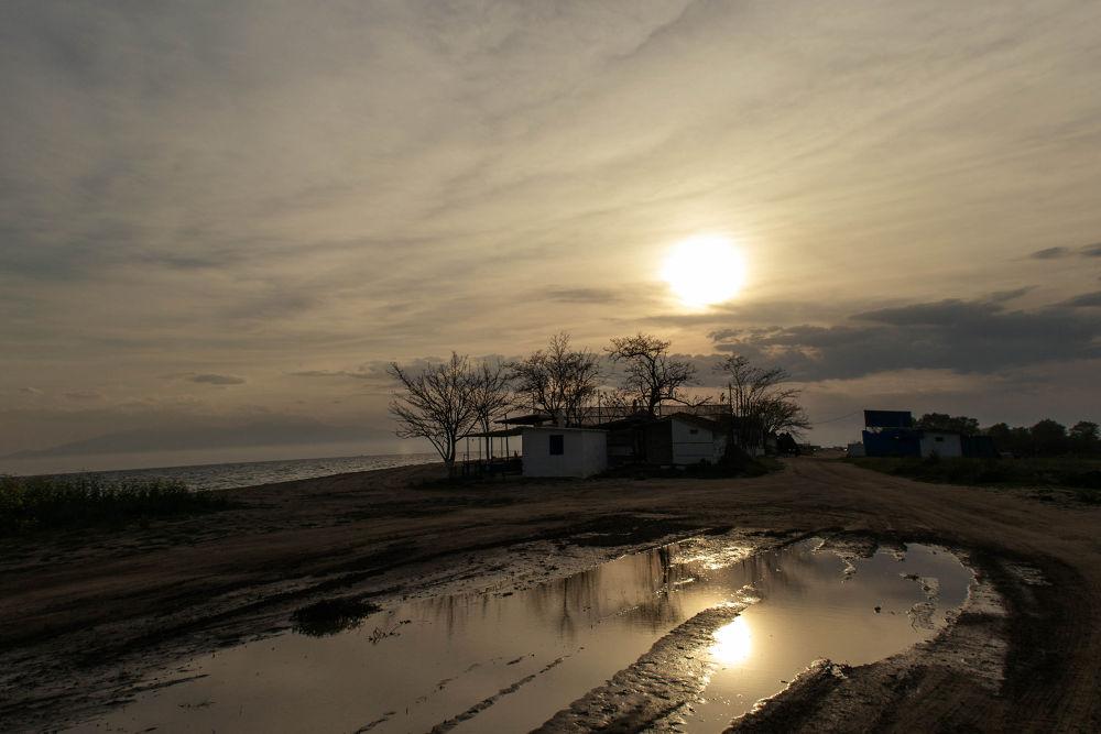 Potamos beach, Thessaloniki, Greece by lambriana