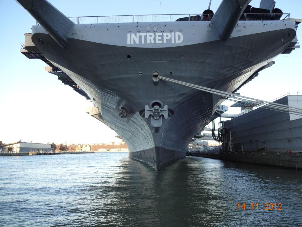 Intrepid Museum - NY by Renato Torres